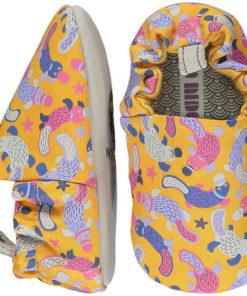 zapatitos bebé ornitorrinco amarillo poco nido jugajoc